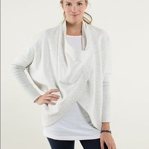 Lululemon It Makes Two Wrap in Heathered White/Angel Wing